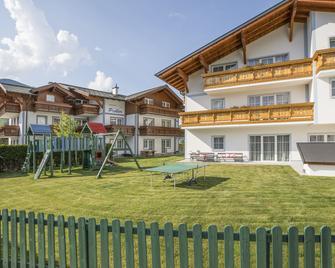 Aparthotel Pichler - Flachau - Building