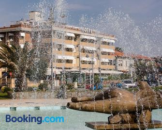 Esplanade - Marina Di Pietrasanta - Gebäude