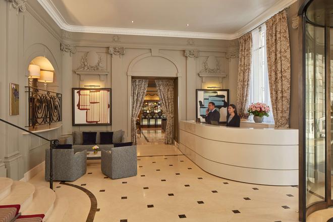 Majestic Hotel Spa - Champs Elysées - Paris - Front desk