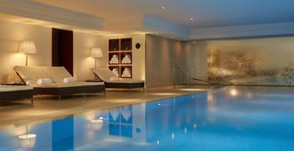 Majestic Hotel - Spa Champs Elysées - Paris - Piscina