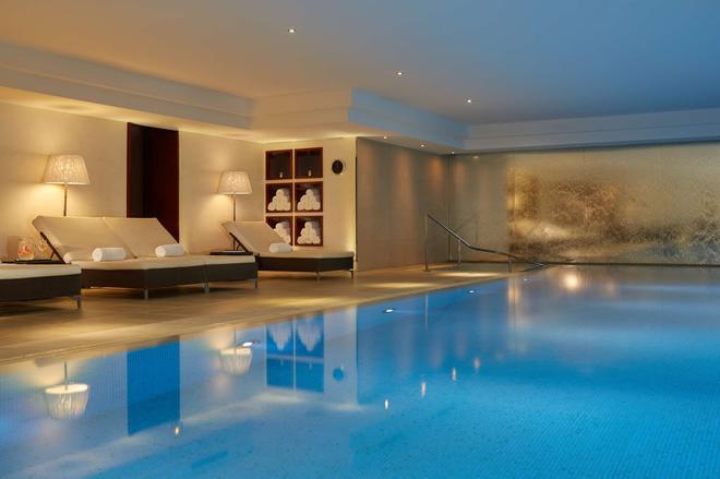 Majestic Hotel - Spa Champs Elysées - Paris - Pool