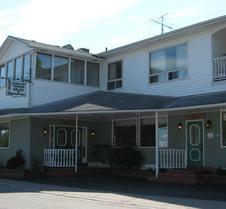 The Wolfe Island Inn
