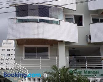 Apto Jairo e Eliane com 03 quartos e garagem interna - Sao Jose - Building