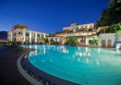 Ramada Resort by Wyndham Bodrum - Bodrum - Pool