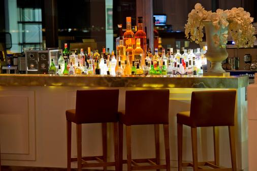 Ramada Resort by Wyndham Bodrum - Bodrum - Bar