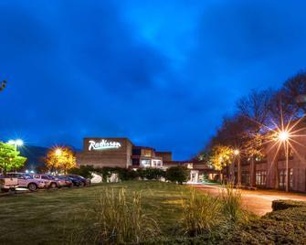 Radisson Hotel Corning - Corning - Gebouw