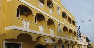 Le Pelagie - Lampedusa - Edificio