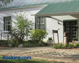 Van Rhyn Guest House - Vanrhynsdorp - Building