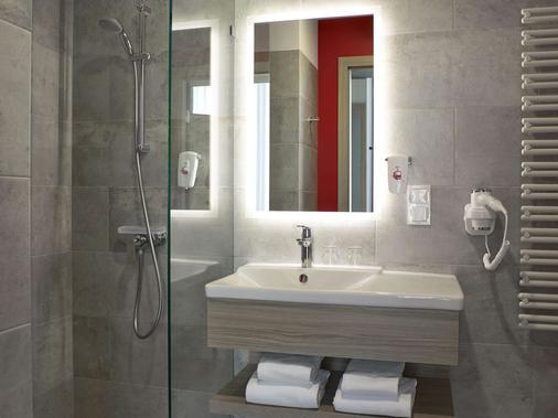 宜必思尚品華沙市飯店 - 華沙 - 浴室