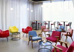 宜必思尚品華沙市飯店 - 華沙 - 休閒室