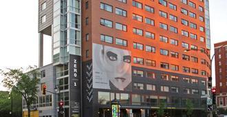 Hotel Zero 1 - Montreal - Building