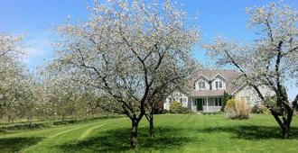 Orchard Croft Boutique Country Retreat - Lincoln - Outdoors view
