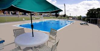 Americas Best Value Inn Cookeville - Cookeville - Pool