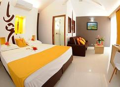 Malabou Beach Hotel - Poum - Camera da letto