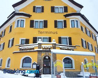 Hotel Terminus - Samedan - Building