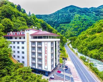 Golden Inn Hotel Uzungol - Uzungöl - Gebäude