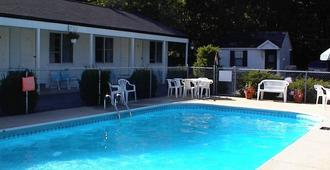 Pine View Lodge - Old Orchard Beach - Pool
