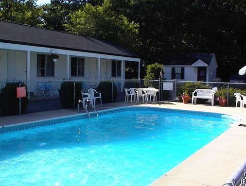 Pine View Lodge - Old Orchard Beach - Bể bơi