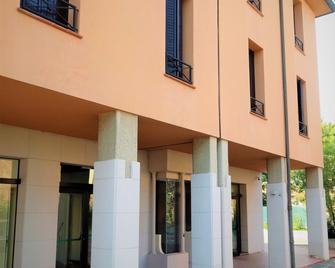Hotel Dozza - Dozza - Building