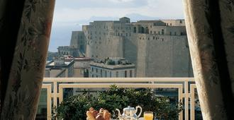 Grand Hotel Vesuvio - Naples - Balcony