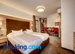 Hotel Der Heinrichshof - Lagundo - Quarto