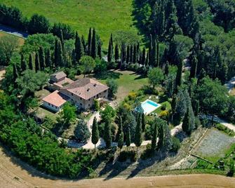 Al Giardino Degli Etruschi - Chiusi - Outdoors view