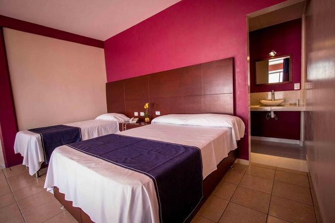 Hotel Terraza San Pedrito - Puebla City - Bedroom