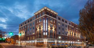 Hampton Inn Portland Downtown Waterfront - Портленд - Здание