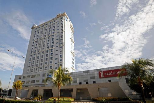 Tryp By Wyndham Mall Of Asia Manila - Pasay - Building