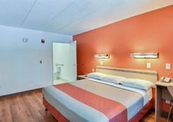 Motel 6 Nashua South - Нашуа - Спальня