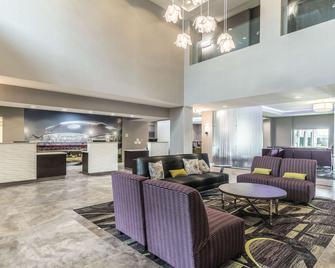 達拉斯阿靈頓 6 旗路拉昆塔套房酒店 - 阿靈頓 - 阿靈頓 - 大廳