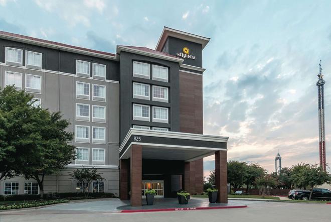達拉斯阿靈頓 6 旗路拉昆塔套房酒店 - 阿靈頓 - 阿靈頓 - 建築