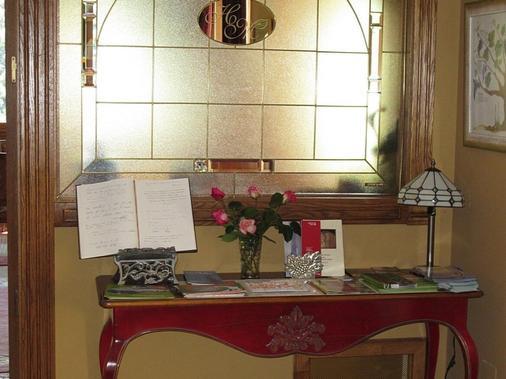 Hotel Casona Malvasia - Potes - Recepción