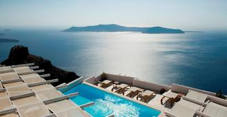 Gold Suites - Thera - Pool