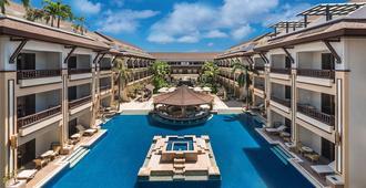 Henann Regency Resort & Spa - בורקאי