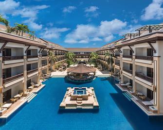 Henann Regency Resort & Spa - Boracay - Pool