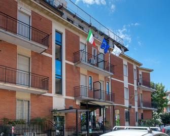 Hotel Vip - Piacenza - Building