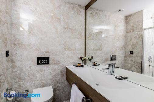 Nearport Hotel Sabiha Gokcen Airport - Istanbul - Bathroom