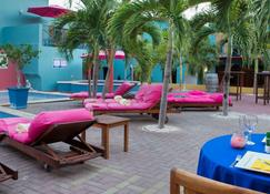The Ritz Village Hotel - Adults Only - Willemstad - Edificio