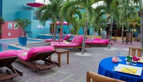 The Ritz Village Hotel - Adults Only - Willemstad - Building