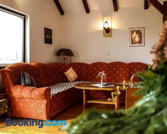 Apartment Franciska - Drežnik Grad - Wohnzimmer