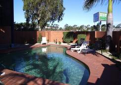 Kingsford Smith Motel - Brisbane - Pool