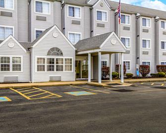 Quality Inn and Suites North Lima - Boardman - North Lima - Building