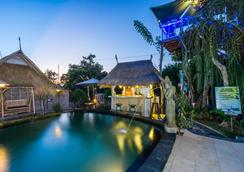 The Dafish Accommodation Bar & Cafe - Nusa Penida - Uima-allas
