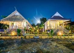 The Dafish Accommodation Bar & Cafe - Nusa Penida - Edifício