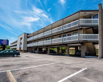 Motel 6 Norfolk-Oceanview - Norfolk - Building