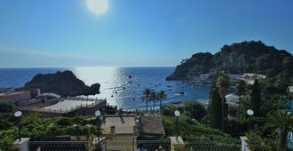 Hotel Baia Azzurra - טאורמינה - נוף חיצוני