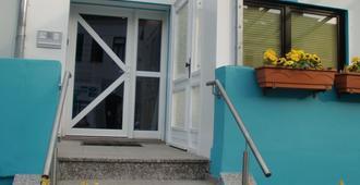 Pension Sanni Hostel - Bremen - Außenansicht