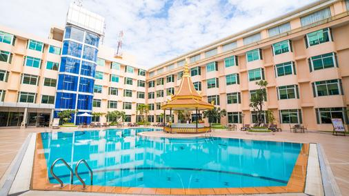 金邊大酒店 - 金邊 - 金邊 - 游泳池