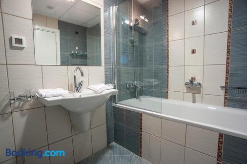 C Comfort Hotel & Wellness - Hissarya - Bathroom